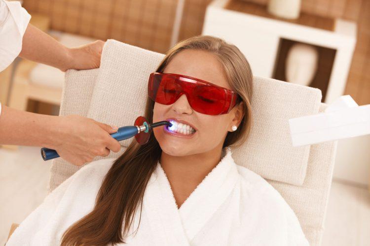Лазерное отбеливание зубов — отзывы